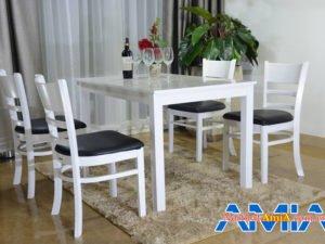 Bộ bàn ghế ăn 4 chỗ ngồi sang trọng cho gia đình BA019