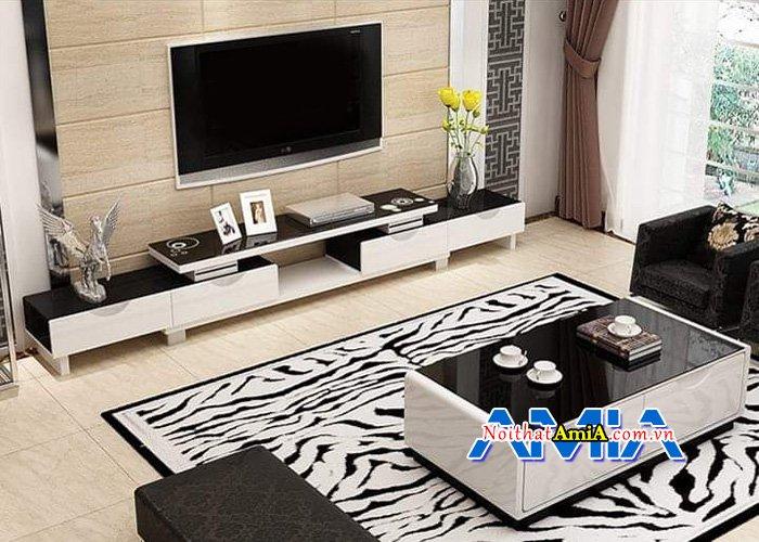 Kệ tivi gỗ tự nhiện kiểu dáng rộng rãi cho phòng khách KTV240