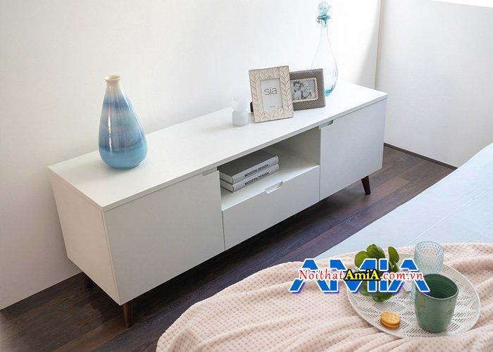 Mẫu kệ tivi hiện đại rất phù hợp cho phòng ngủ KTV14044