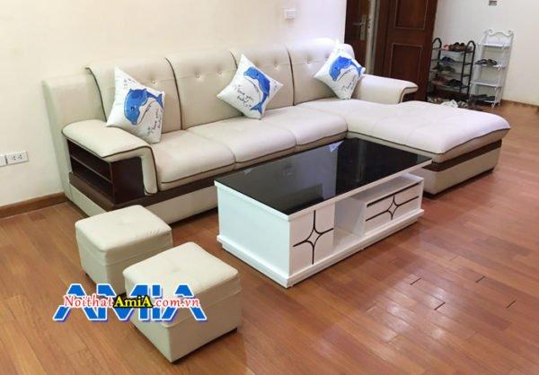 Mẫu sofa phòng khách với chất liệu da màu kem nổi bật SFD157