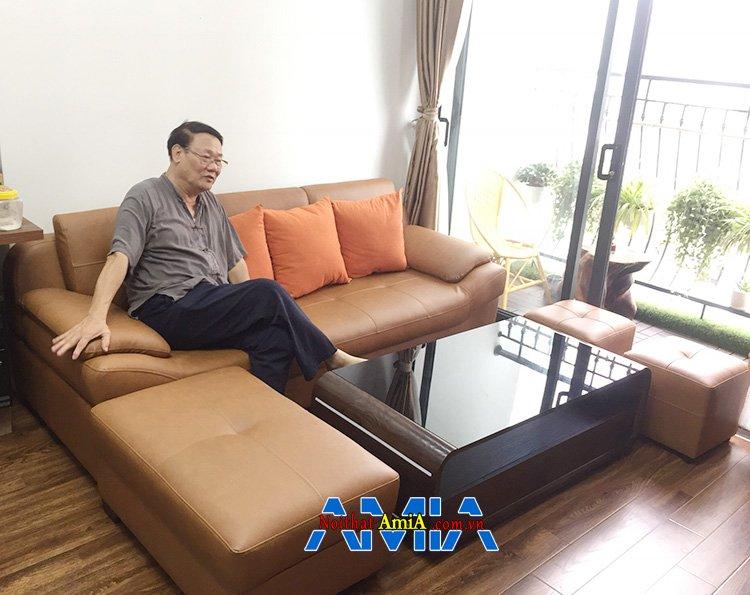 Hình ảnh Bàn ghế sofa mini cho phòng khách chung cư hiện đại với màu da bò