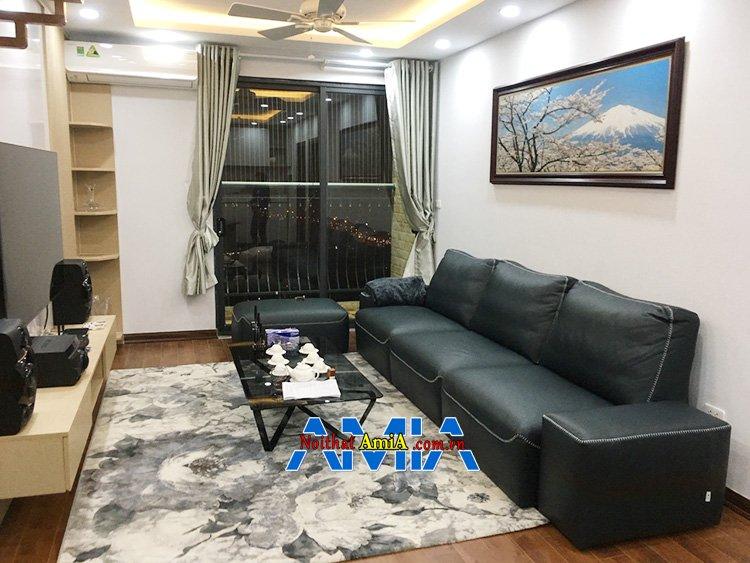 Hình ảnh Ghế sofa văng da bài trí sát tường tiết kiệm diện tích căn phòng khách nhỏ