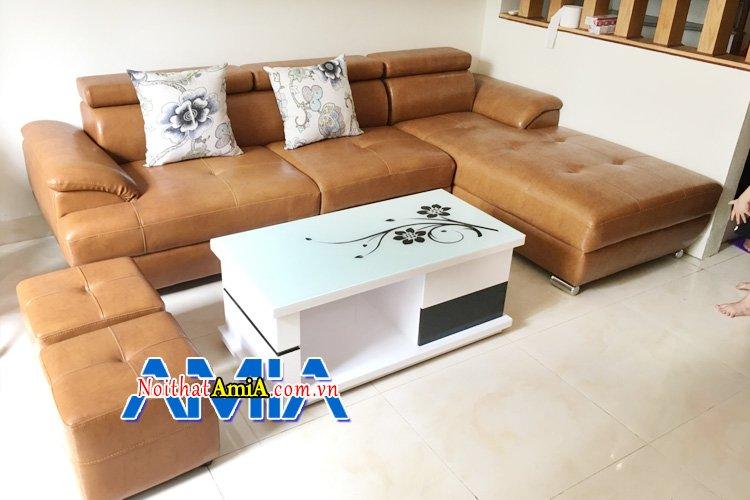 Bộ ghế sofa có kích thước, kiểu dáng, màu sắc phù hợp với không gian phòng khách
