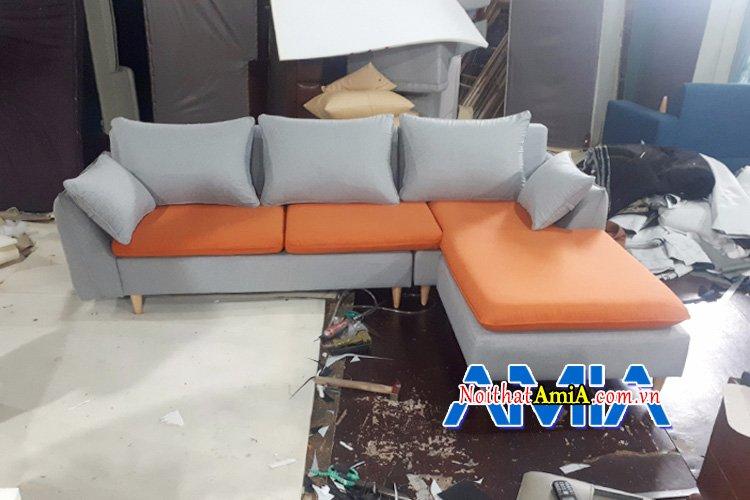 Khâu lắp ráp hoàn thiện bộ ghế sofa theo yêu cầu của khách hàng