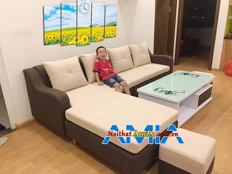 Mẫu sofa góc chất liệu nỉ cho nhà có trẻ con đùa nghịch SFN170