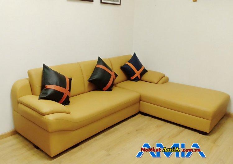 Ghế sofa da AmiA SFD099 kê trong góc phòng khách