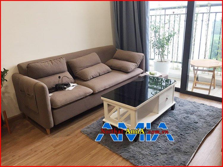 Mẫu ghế sofa căn hộ chung cư đẹp hiện đại kê canh cửa sổ