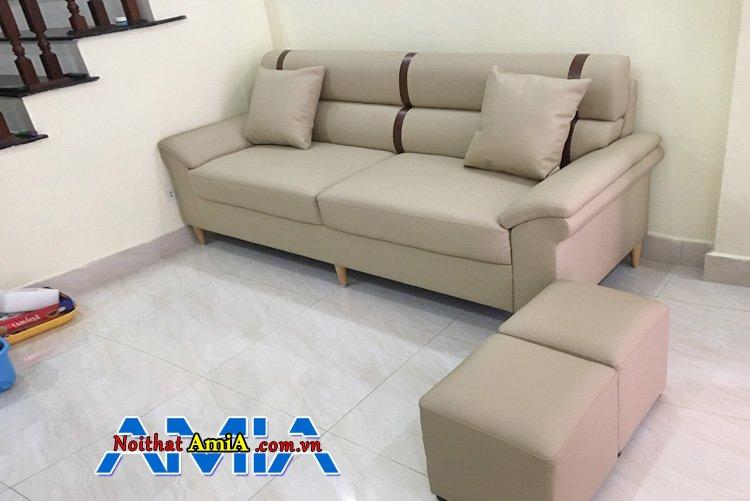 Ghế sofa văng 2 chỗ kê phòng khách nhà ống AmiA SFD256 giúp không gian rộng rãi, thoáng mát hơn