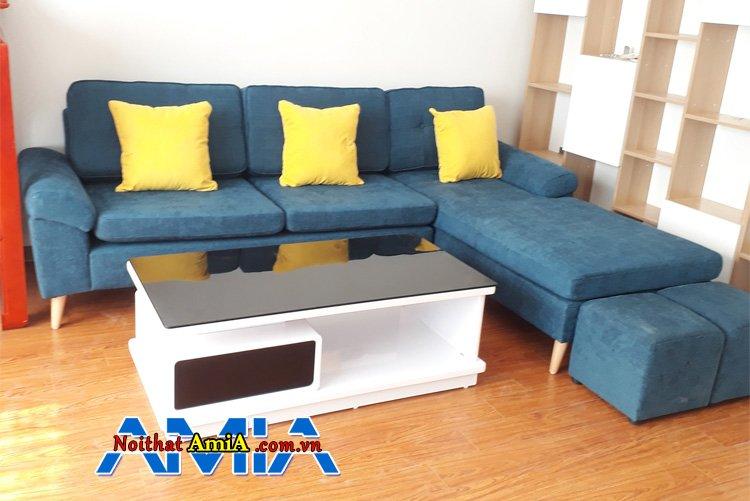 Sofa màu xanh dương thiết kế dạng góc chữ l cho phòng khách liền mạch, rộng rãi, đẹp hơn