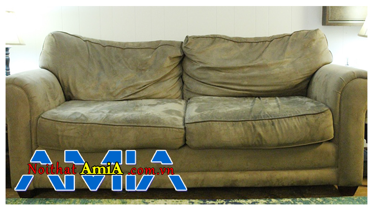 Tổng vệ sinh sofa trước tết để loại bỏ những bụi bẩn, nấm mốc