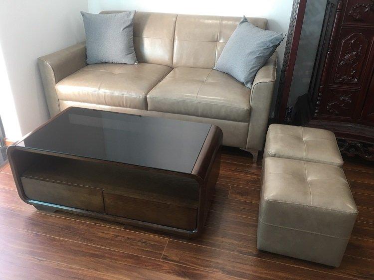 Chiếc ghế sofa da phòng khách nhỏ chỉ 1m6