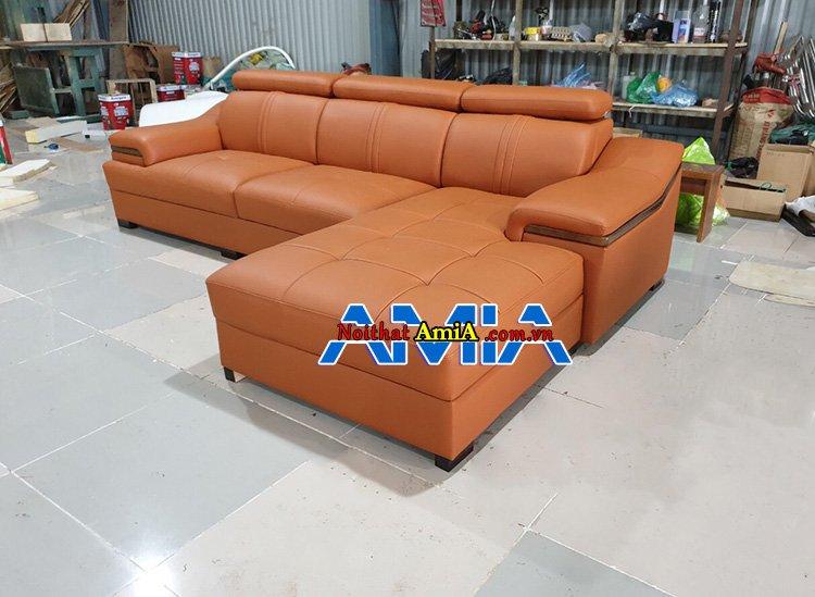 Ảnh chụp bộ ghế sofa góc làm theo yêu cầu tại xưởng AmiA